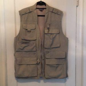 Men's Woolrich Mutipocket Travel/ Field Vest